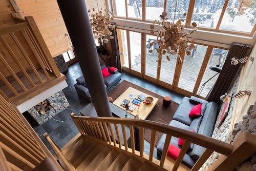 Chalet With 6 Bedrooms in Méribel Mottaret, With Wonderful Mountain Vi, Savoie