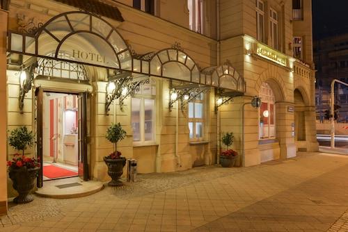 . Altstadthotel Am Theater