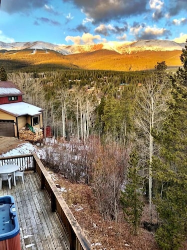 Peak 7 Mountain Lodge - Hot Tub & Expansive Views!, Summit