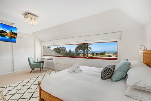 Newcastle Executive Homes - Oceanview Terrace, Newcastle - Inner City