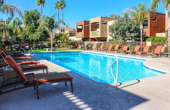 Old Town Scottsdale Golf Retreat