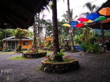 CLEMENTE'S GARDEN & RESORT Property Grounds