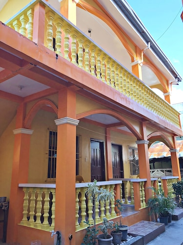 Queen of Isle Restaurant and Cottages, Puerto Galera