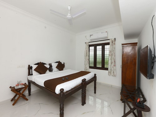 OYO 9784 Home Heritage 1BHK White Town, Puducherry