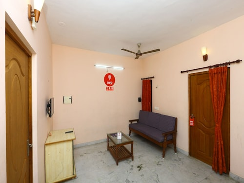 OYO 10098 Home Compact 1BHK White Town, Puducherry