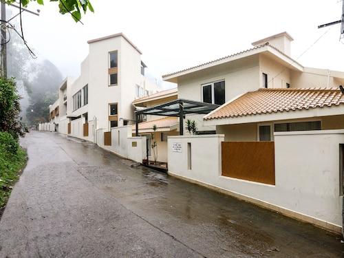 OYO 4943 Sandanams Villa, Dindigul