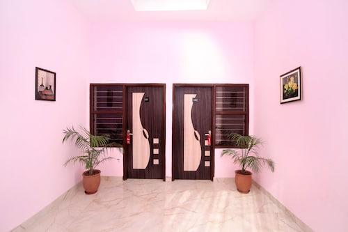 OYO 11497 Hotel Sharnam, Sahibzada Ajit Singh Nagar