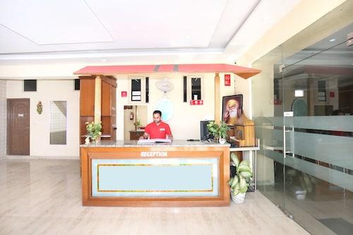 OYO 11502 Hotel Grande, Sahibzada Ajit Singh Nagar