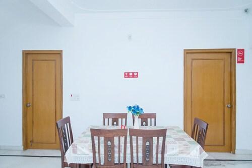 OYO 11064 Home Elegant 3BHK Villa Near Hiran Magri, Udaipur