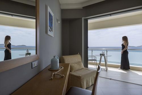 . Anastasia Hotel & Suites Mediterranean Comfort
