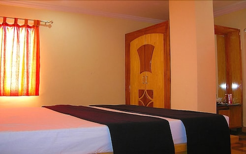 Hotel Woodside, Chittoor