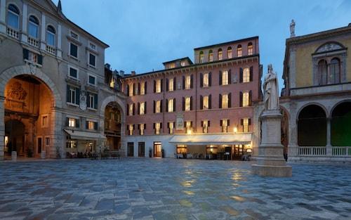 . Lords of Verona Luxury apartments
