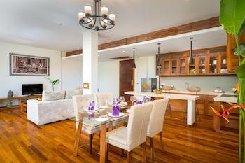 Premier Suite Room, 2 Bedrooms- Free Pickup