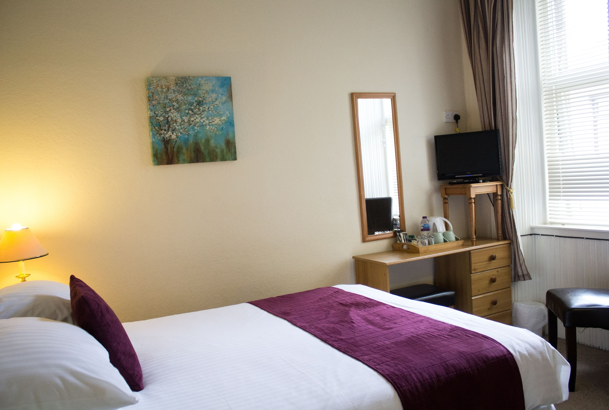 AULD MANSE GUEST HOUSE & APARTMENT, Perthshire and Kinross