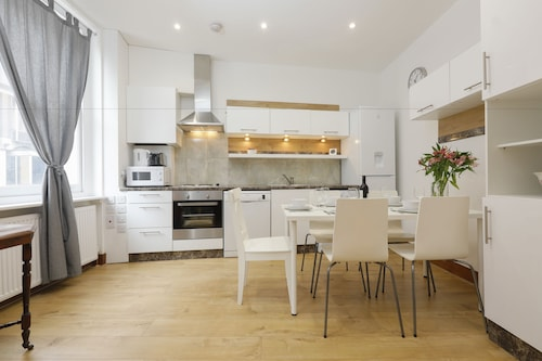 Snel Superior Apartments, London