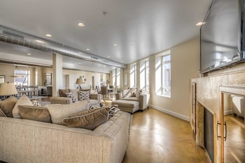 Stunning Downtown Loft 4,000 Sqft - Deck 360 Views! photo