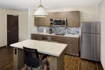 Suite, 1 Bedroom, Kitchen (2 Queen Beds with Sofa Bed, Specialty)