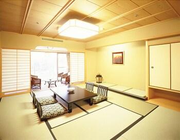 KOTOBUKIROU RINSUITEI Room