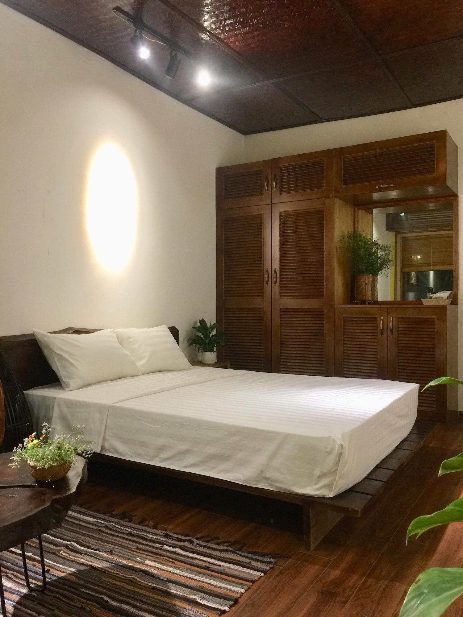 A Green Home, Hoàn Kiếm