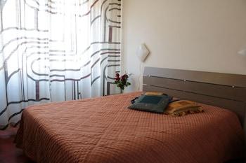 Traditional Tek Büyük Yataklı Oda, 1 Büyük (queen) Boy Yatak, Sigara İçilmez, Banyolu/duşlu