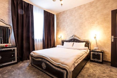 Grand Suite Sofia, Stolichna