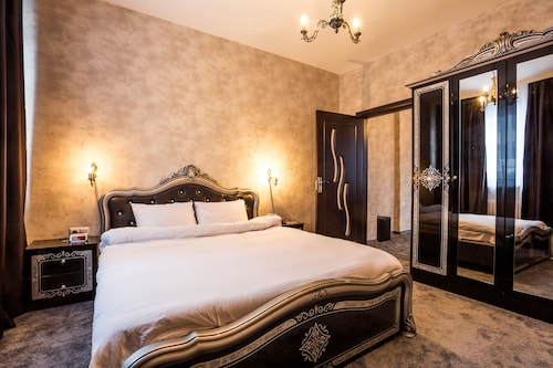 Grand Suite Sofia, Stolichna