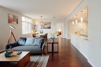 Luxury 2 Bedroom Suite in Cupertino