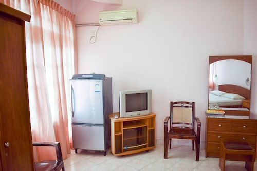 Yoho Hotel Red Rose, Negombo