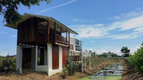 The Sun House Uthai Thani, Muang Uthai Thani