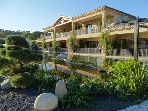Maison du Lac, Gard