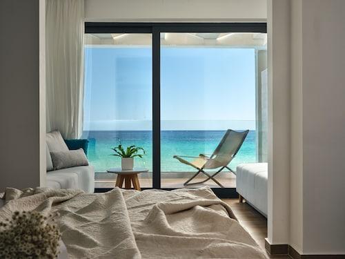 . Cavo Orient Beach Hotel