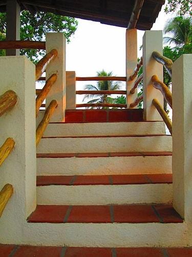 Hostal Los Almendros, Tamanique