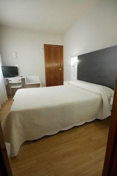 Tek Büyük Yataklı Oda (+ Extra Bed)