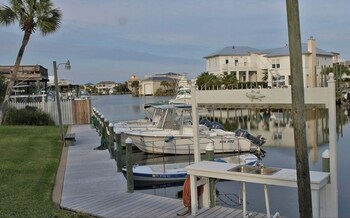 Isla Blanca 7 Destin 2 Bedrooms 2.5 Bathrooms Townhouse