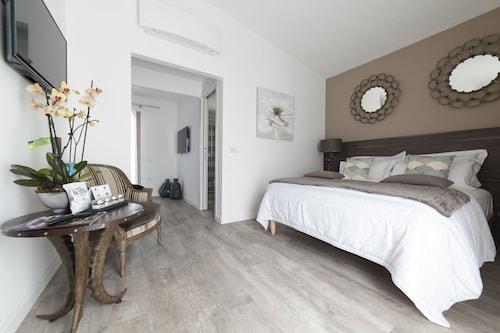 Suimi's Hotel, Cagliari