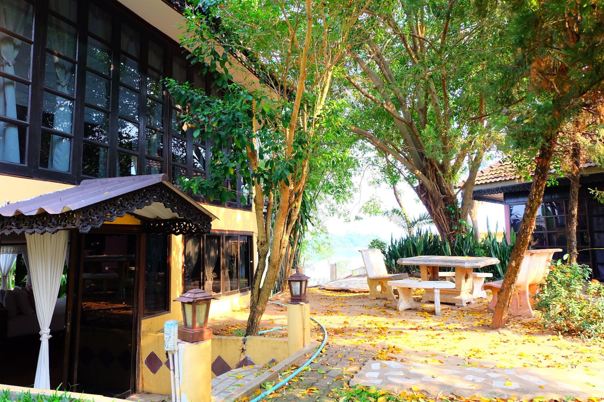 P Resort Riverside, Mueang Kamphaeng Phet
