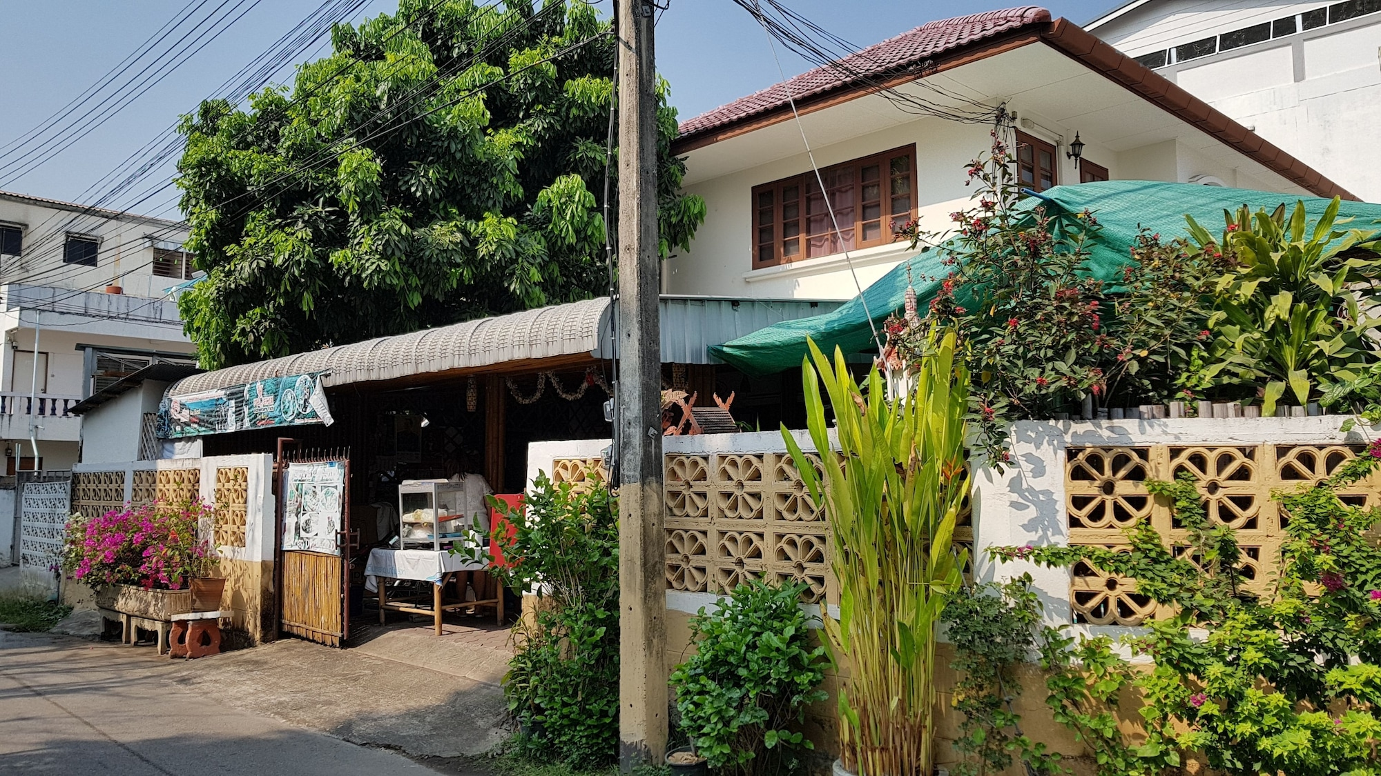 Hug Glur House & Hostel - Adults Only, Muang Chiang Mai