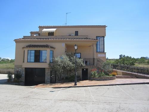 . Hostal Restaurante Santa Cruz