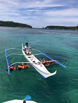 BUENA LYNNE'S RESORT ANNEX Boating
