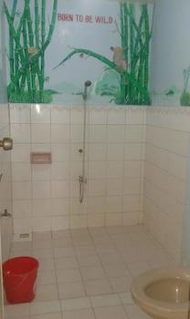 BUENA LYNNE'S RESORT ANNEX Bathroom