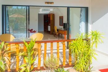 ALONA VIDA BEACH HILL Terrace/Patio