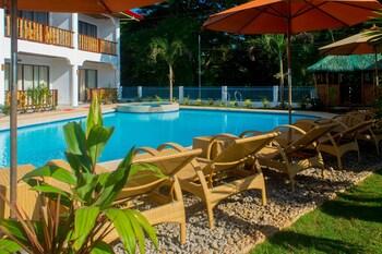 ALONA VIDA BEACH HILL Outdoor Pool