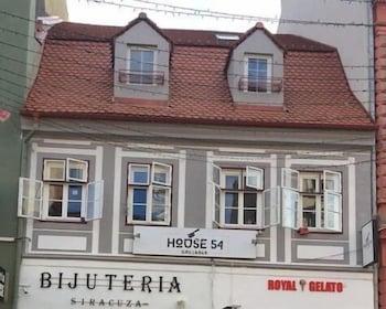 House 54