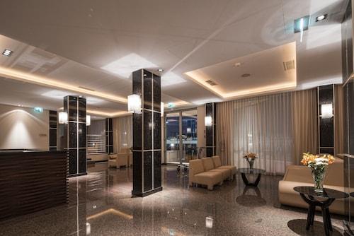 . iu Hotel Namibe