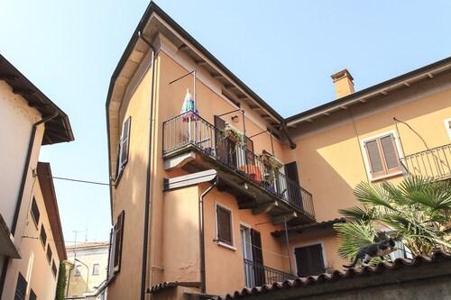 Apartment Camelia, Novara