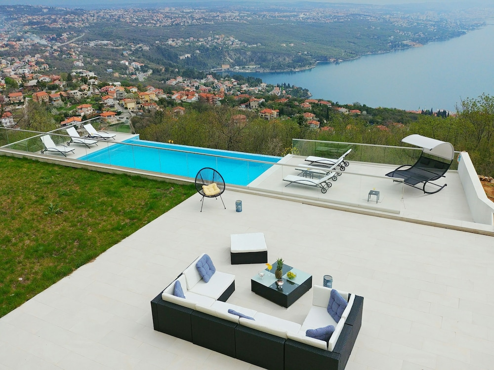 Villa Kelly with amazing view
