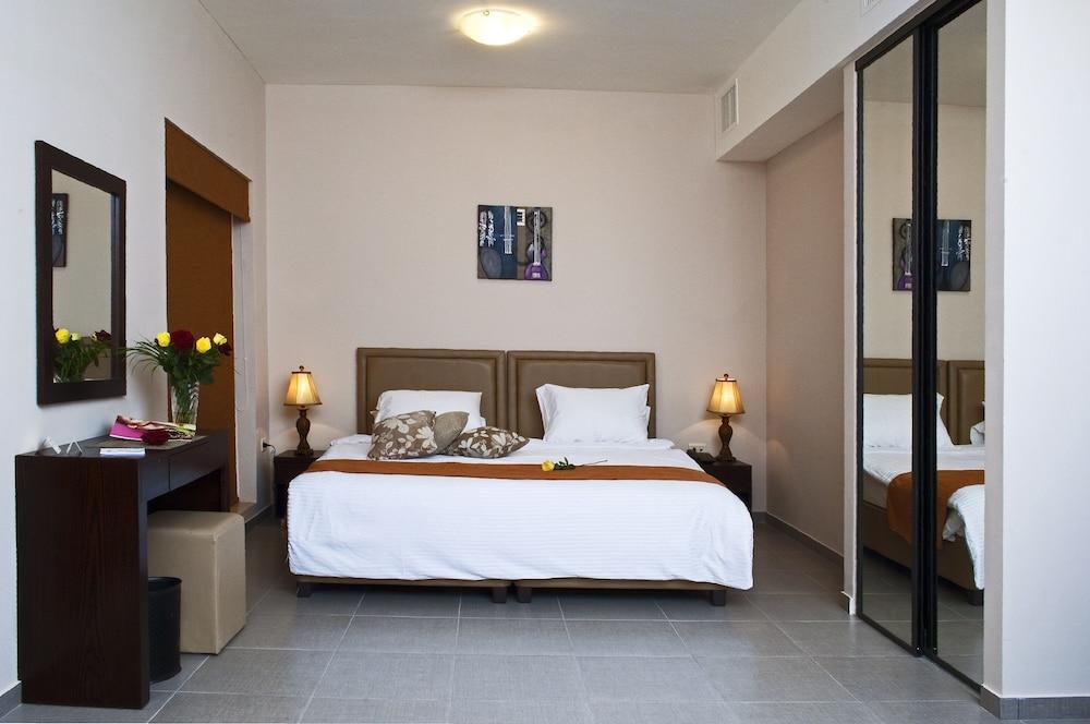 Hotel Celino Hotel
