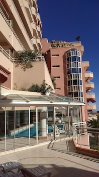 Monaco Pool Seaview Apartments