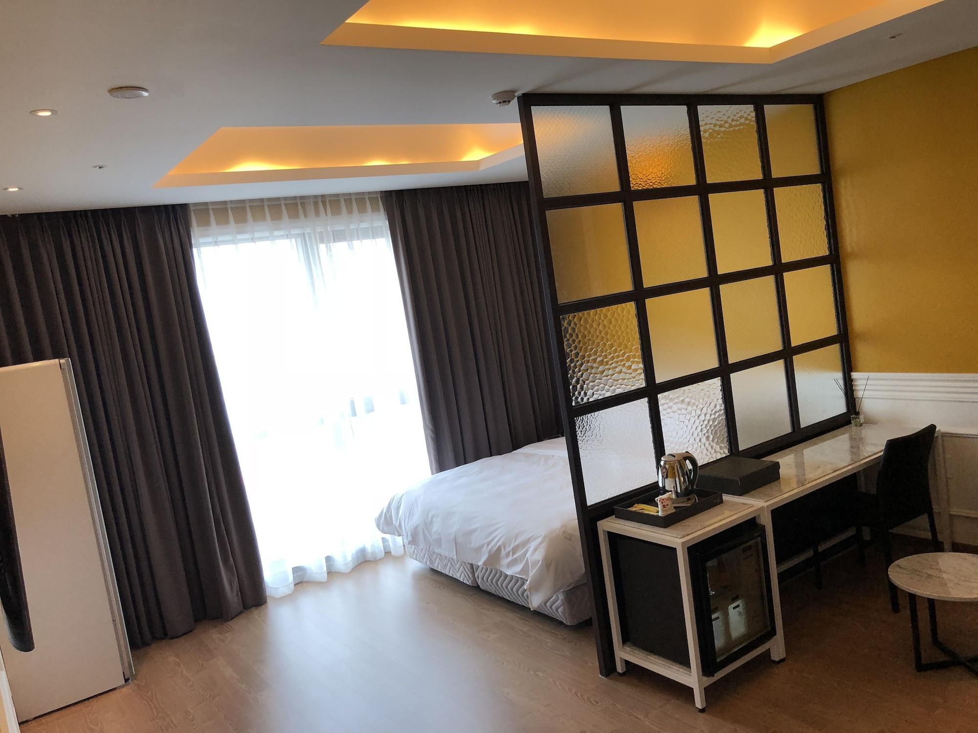 Hotel Morning Calm, Eumseong