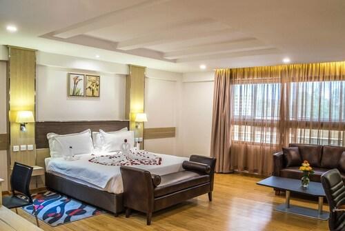 __{offers.Best_flights}__ The Ole-Ken Hotel